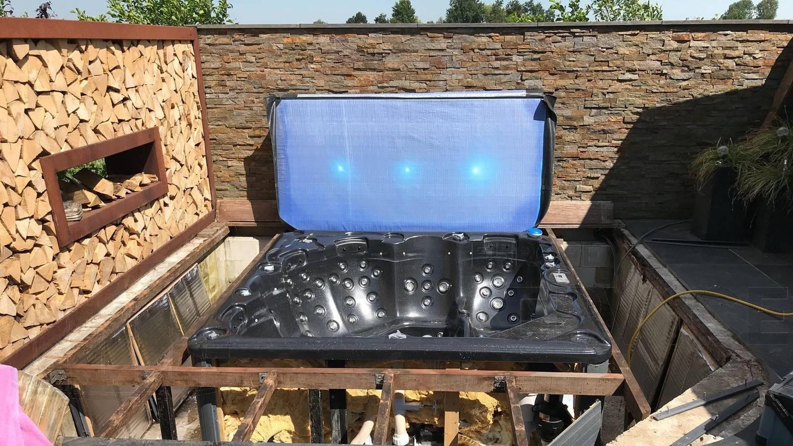 Ozonator en alle jets vervangen van een Sunspa Orlando spa in Dirksland