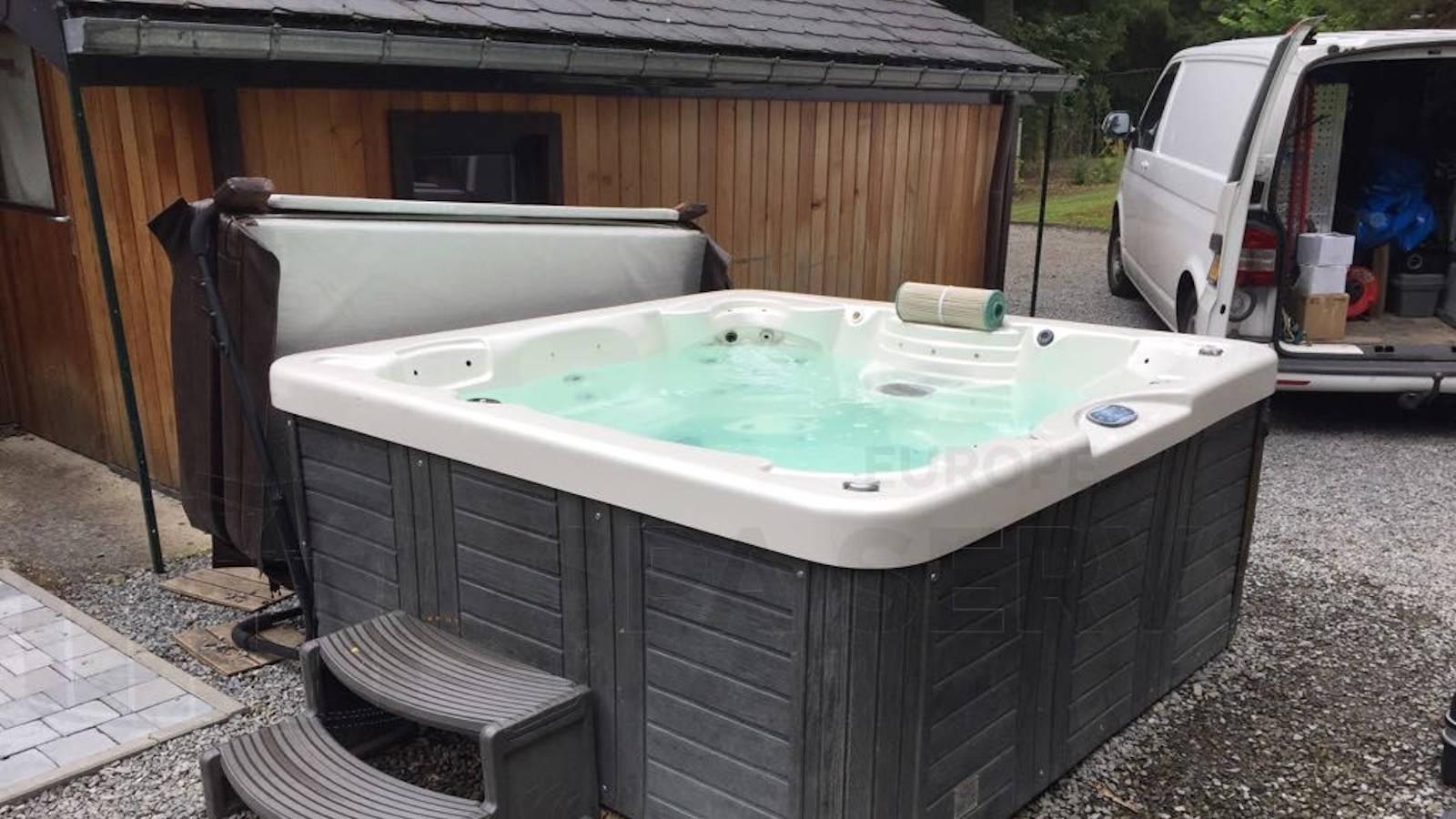 Reparatie pomp en lekkage verholpen aan een Kauai spa in Soy België