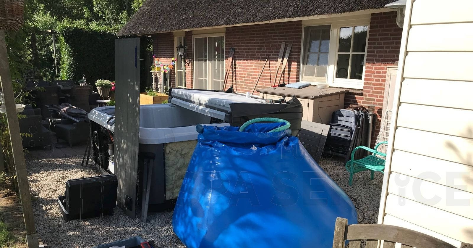 Reparatie lekkage aan een Villeroy & Boch A8DE-SS spa in Breukelen