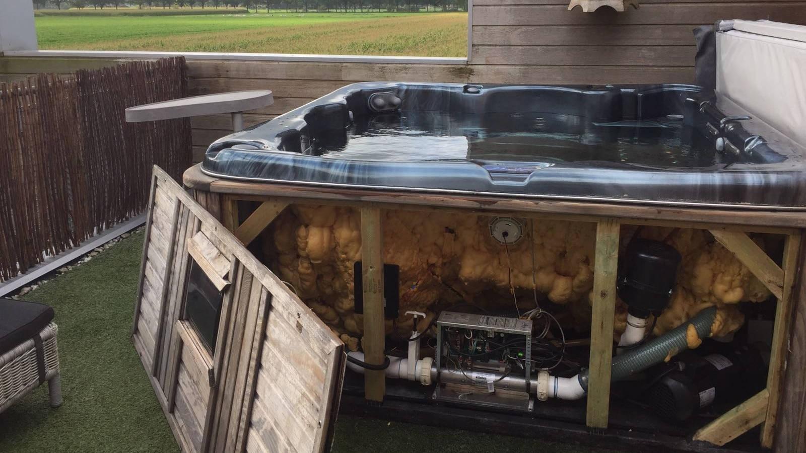 Ozonator vervangen en algehele controle Platinum spa in Ravenstein