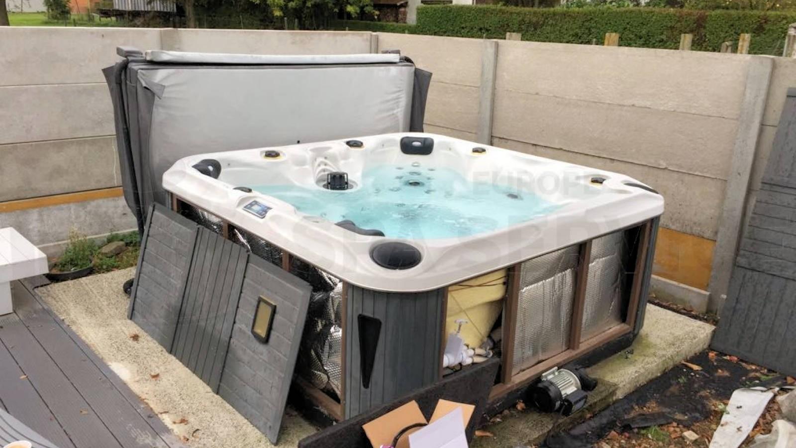 Ozonator vervangen en algehele controle van een Chinese spa in Zemst België