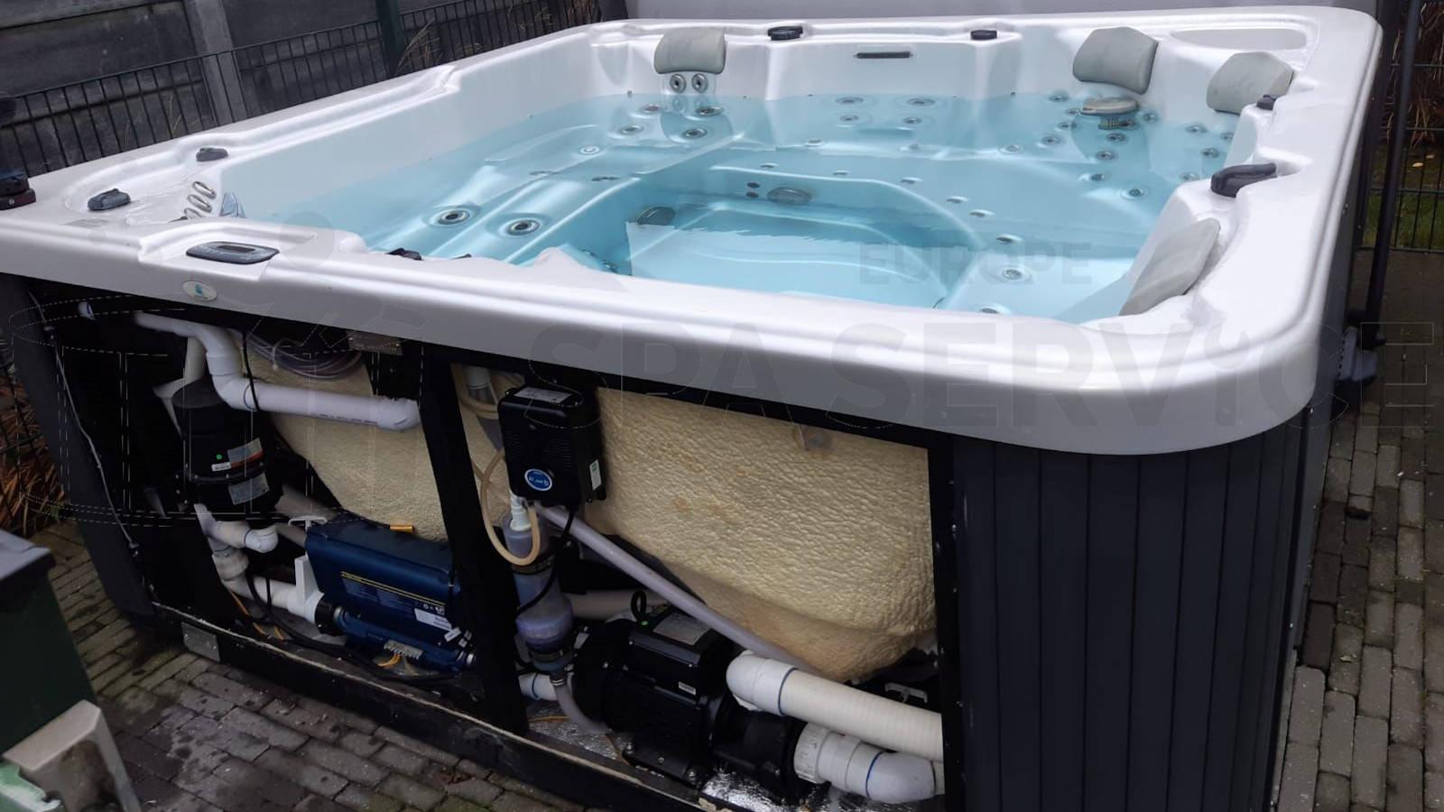 Algemeen onderhoud en ozonator vervangen van een Allseas spa in Minderhout België