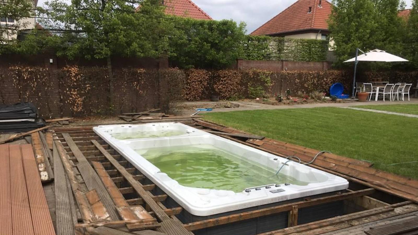 Algemeen onderhoud en ozonators vervangen van een duo-zwemspa in Veldhoven