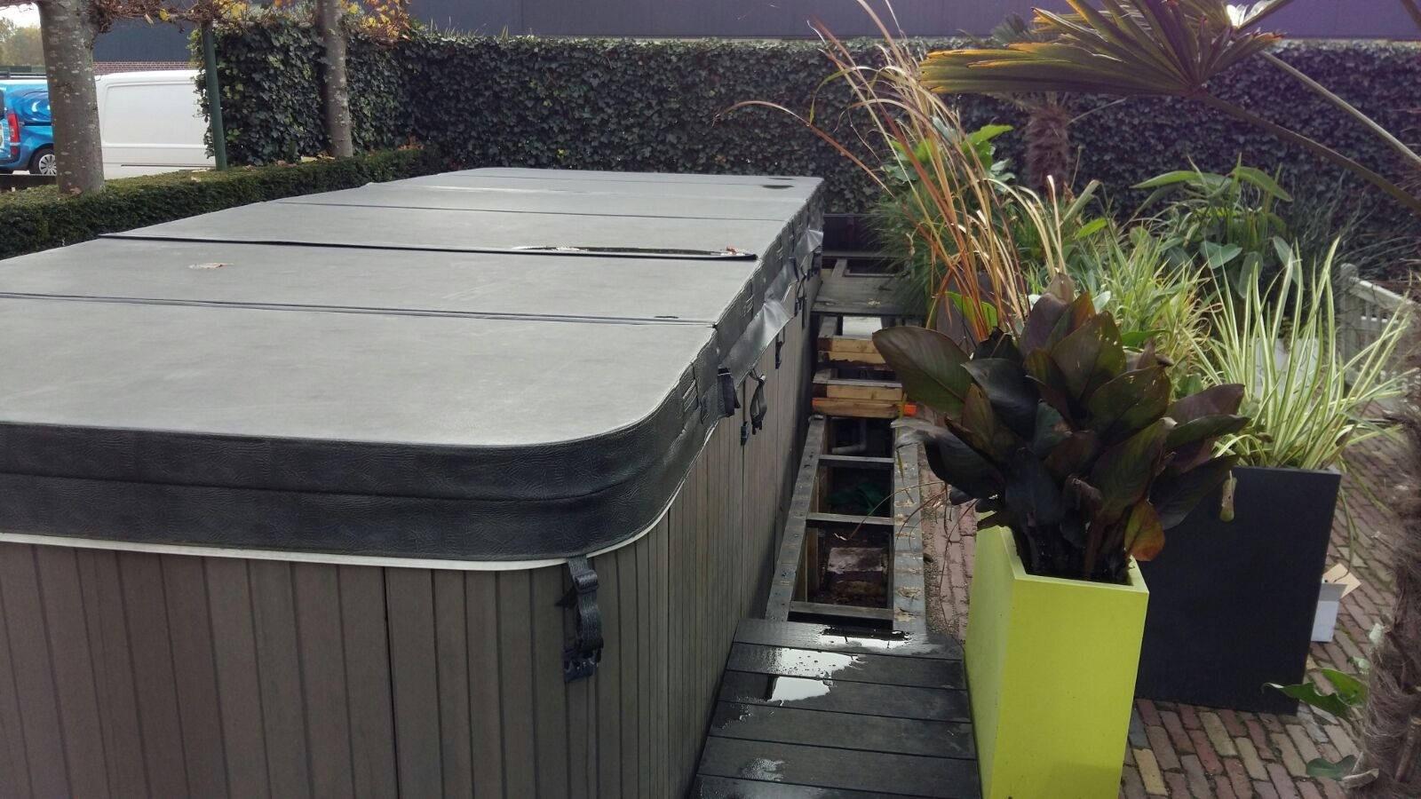Sluiting verholpen in de warmtewisselaar en ozonators vervangen van een Evolution swimspa in Roosendaal