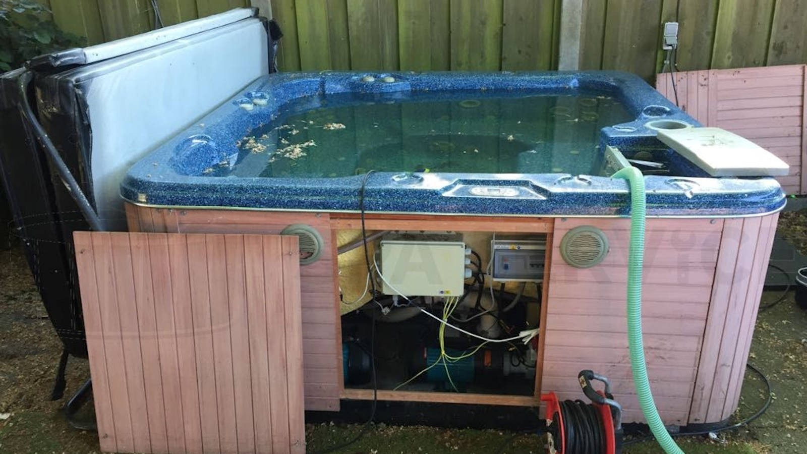 Reparatie verwarming van een Jazzi spa in Enschede