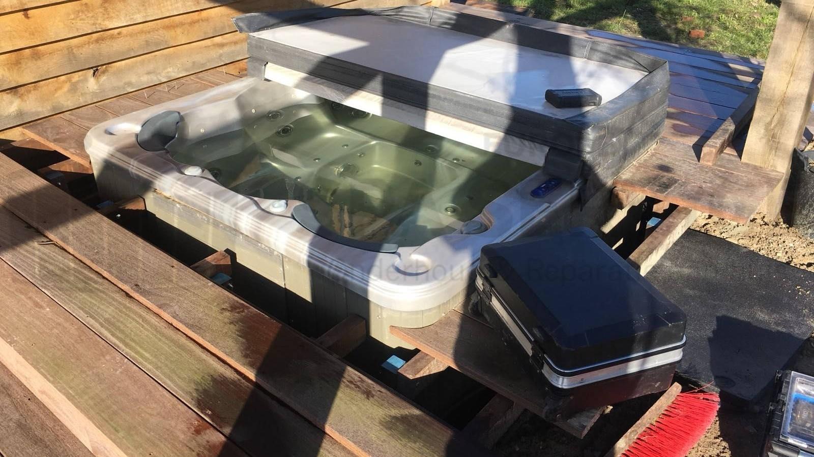 Reparatie verwarming van een Sunset spa in 'S-Gravendeel