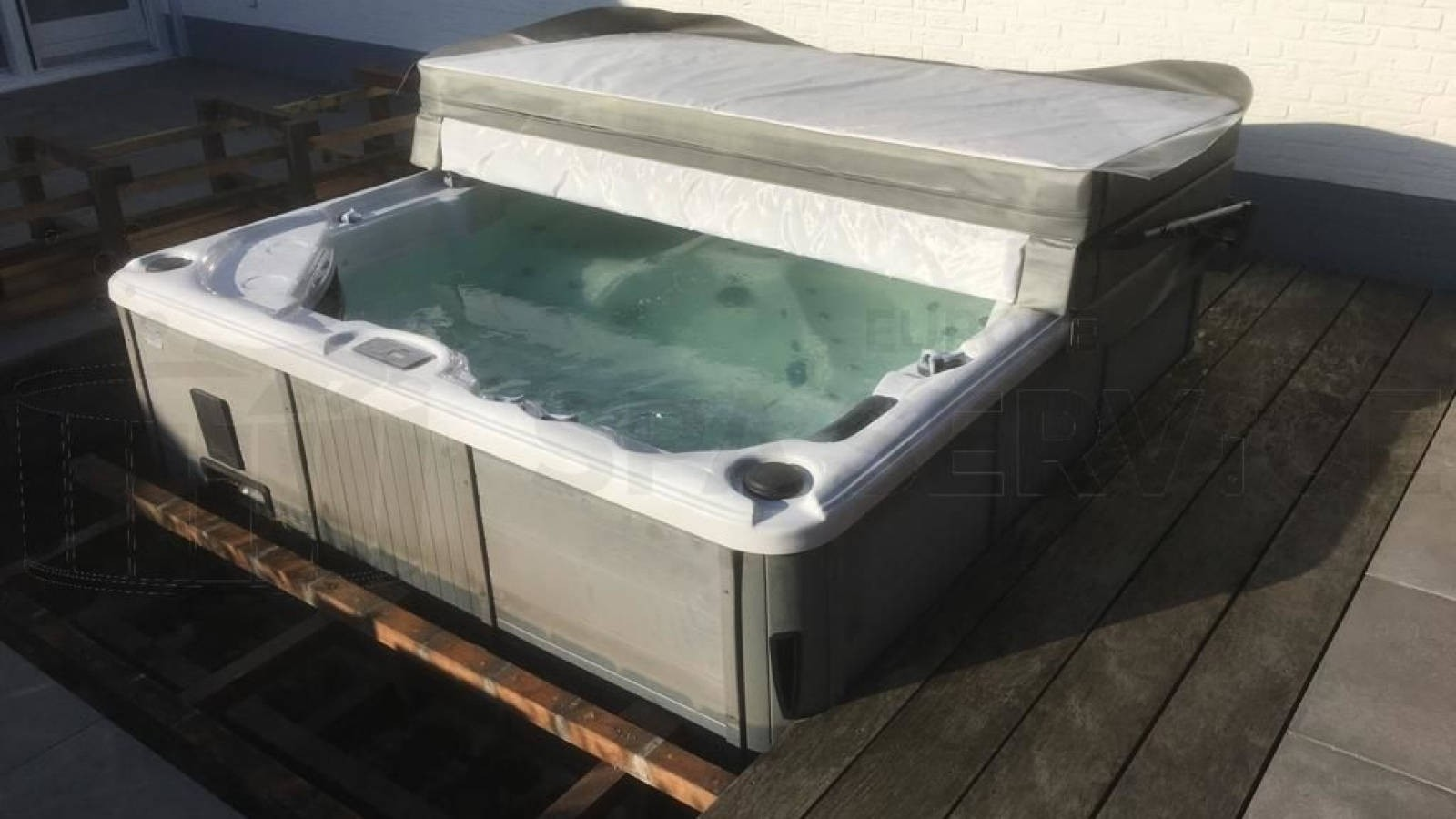 Jetpomp vervangen van een Sunspa spa in Eindhoven