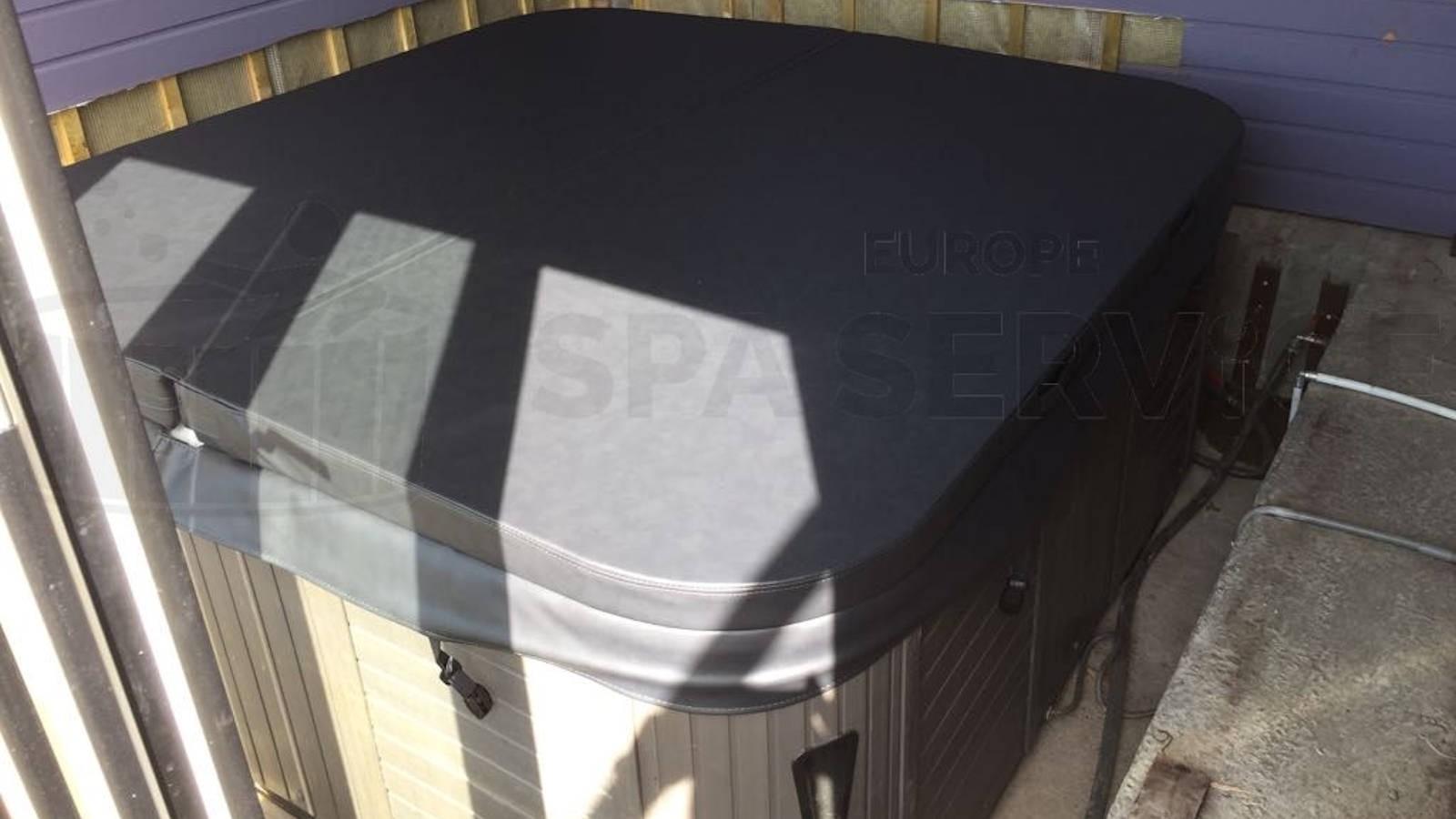 Ozonator en cover vervangen van een Jazzi spa in Stolwijk