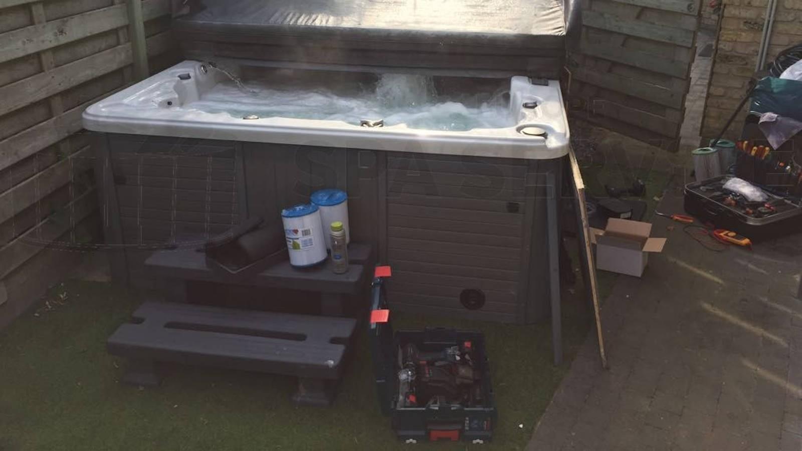 Ozonator vervangen en algehele controle van een Sunspa spa in Oostende