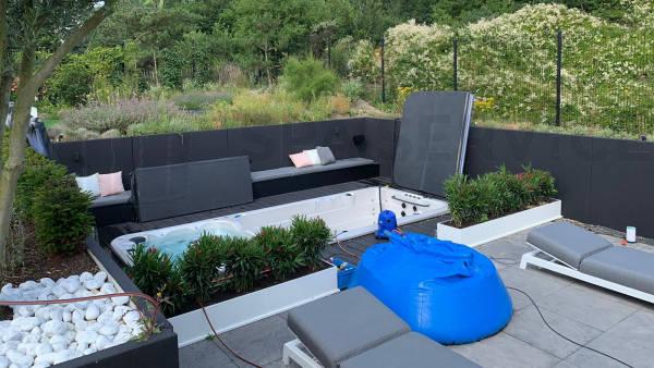 Onderhoud en schoonmaakbeurt van een duo-zwemspa in Kijkduin