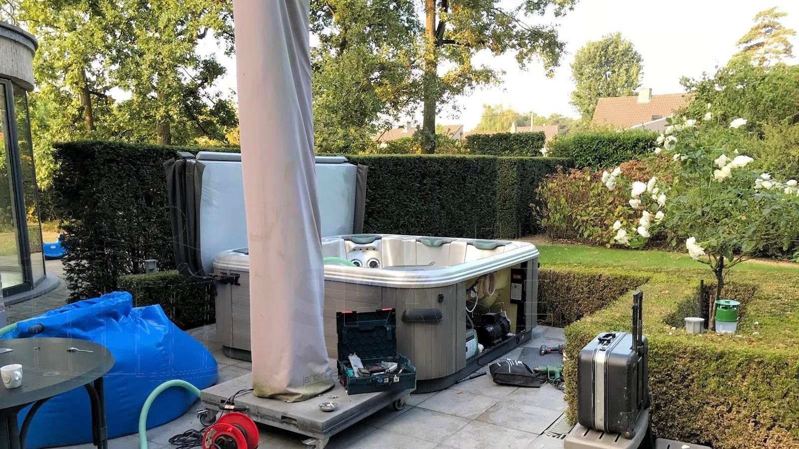 Reparatie lekkage aan een Villeroy & Boch 552SSE spa in Brecht België