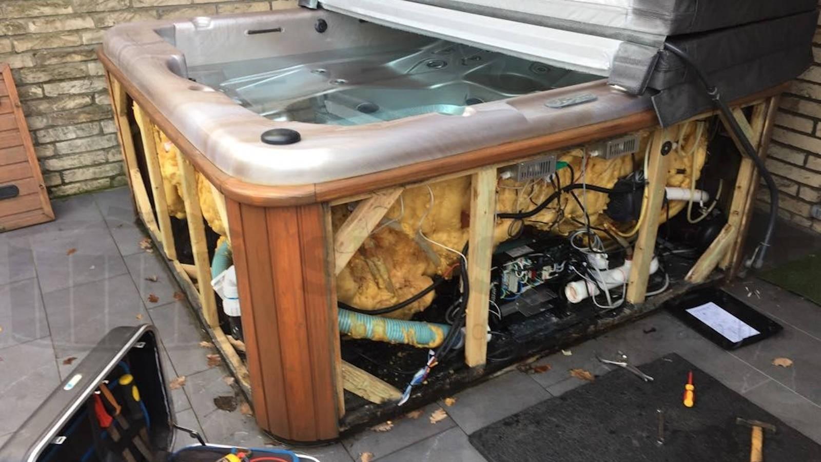 Reparatie defecte verwarming en vervangen ozonator van een spa in Oostakker België
