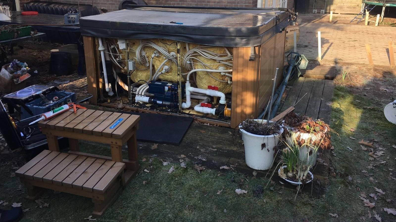 Reparatie lekkage van een Chinese spa in Coevorden