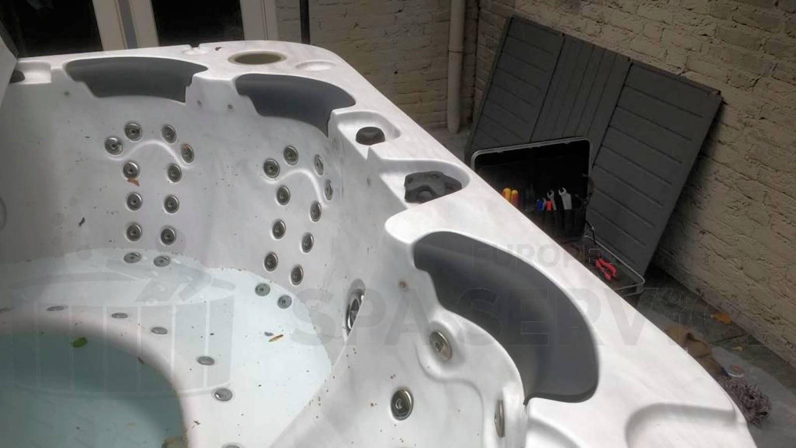 Reparatie lekkage aan een Jazzi spa in Kaatsheuvel