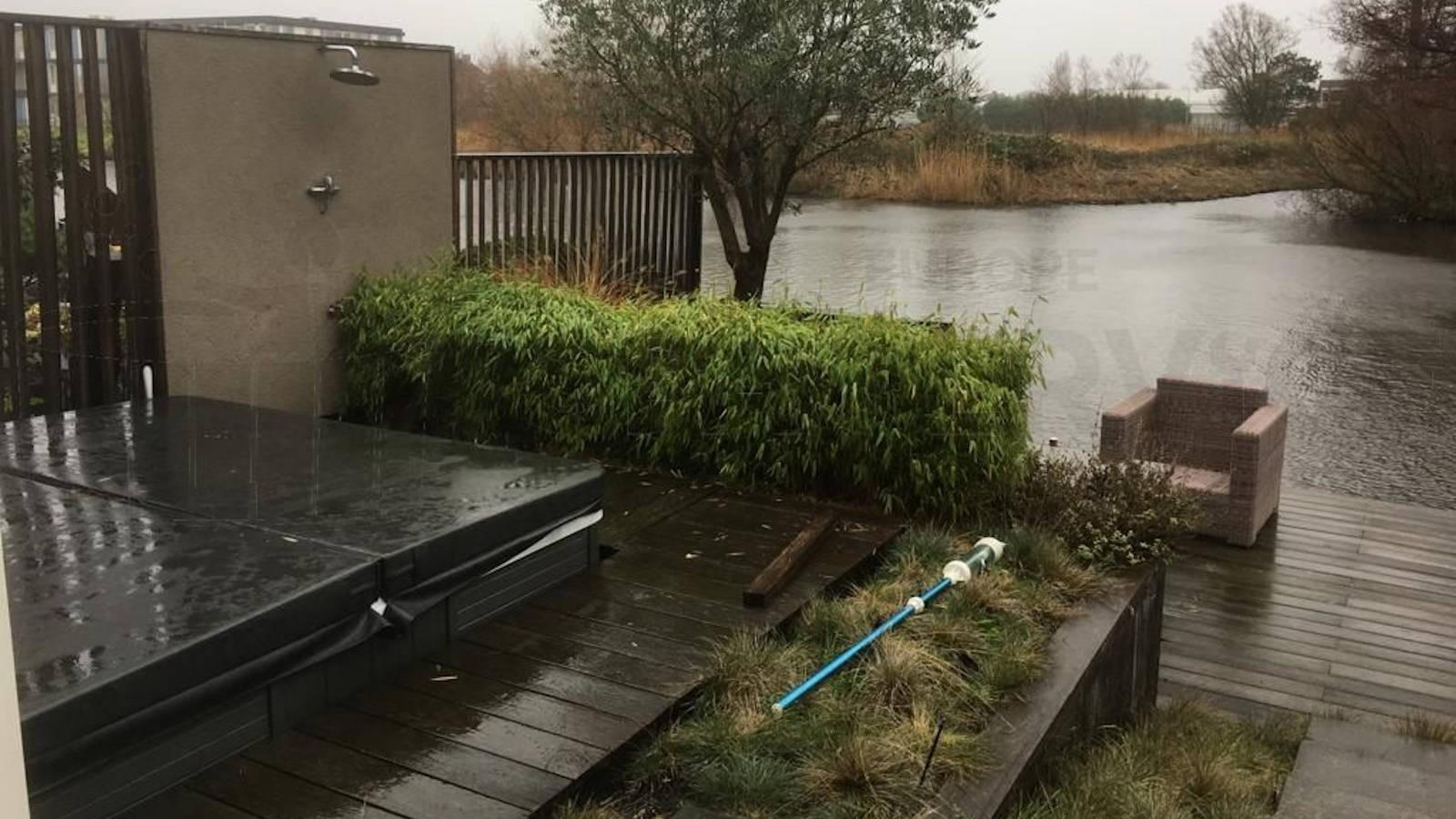 Ozonator vervangen en algehele controle van een Lima 2600 spa in Valkenburg