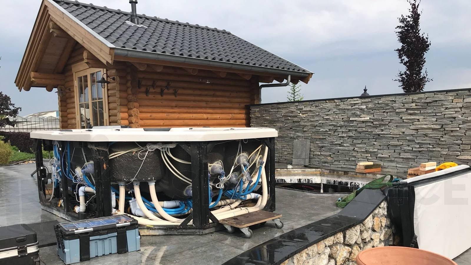 Groot onderhoud aan een Vortex Reatreat spa in Boskoop