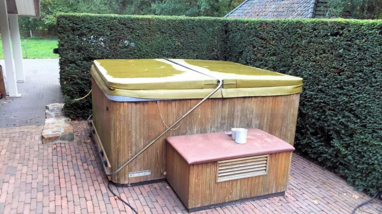 Lekkage verholpen aan een Beachcomber spa in Otterlo