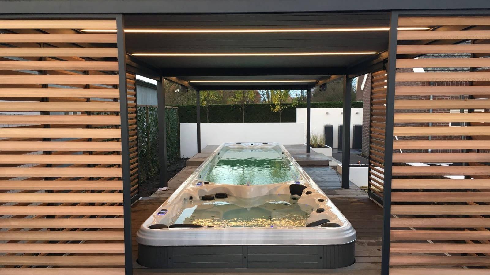 Inbouw waterbehandelingssystemen en oplevering van de grootste swimspa van Nederland