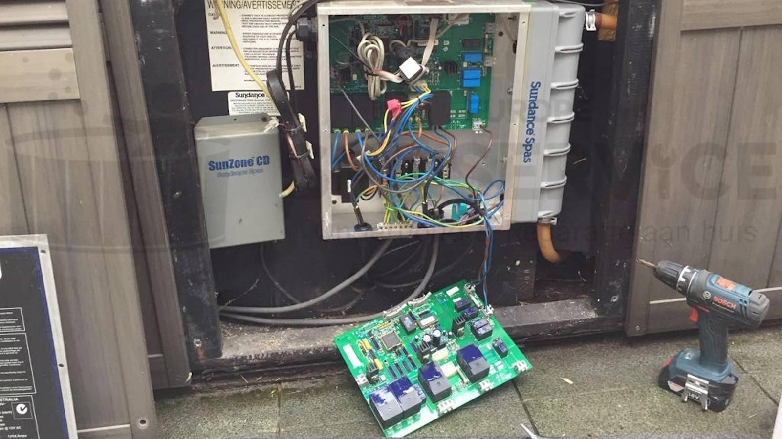 Reparatie printplaat van een Sundance spa in Maldegem België