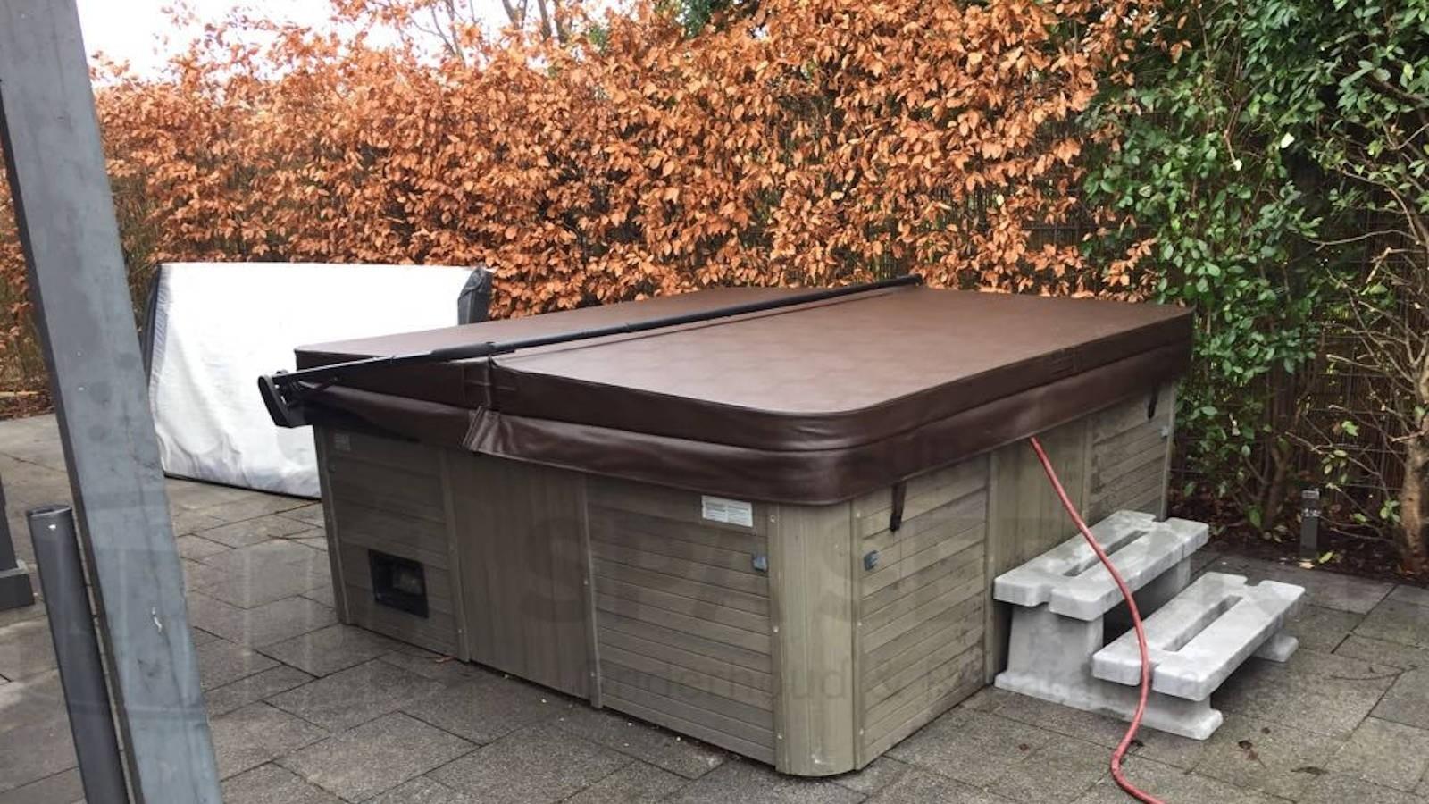 Nieuwe spa cover, ozonator vervangen en algehele controle van een Bubbelkoning spa in Rotterdam