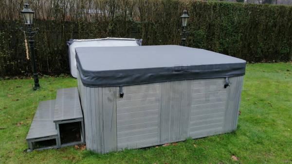 Nieuwe spa cover geplaatst op een spa in Rijen
