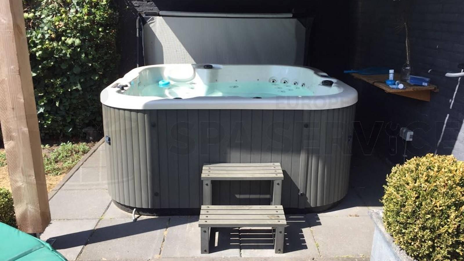 Ozonator vervangen en algehele controle van een spa in Aarle-Rixtel